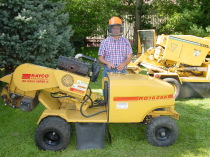 Rayco 1625 self propelled stump grinder.